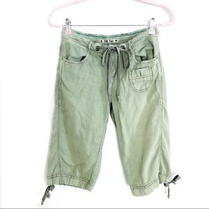 ANTHROPOLOGIE Hei Hei cargo shorts. Size 0
